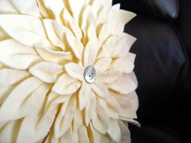 Snow Mum Pillow Flower