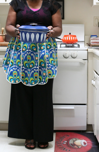 Peacock Apron & Cathrine Holm Pot